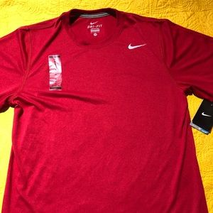 NIKE DRI-FIT Tee NWT RED SIZE M